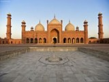 historical place badshahi mosque in pakistan