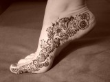 latest Fashion Mehndi Designs For Feet