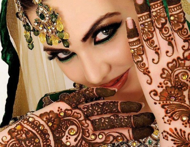 Mehndi Designs Pakistani Fashion for hands