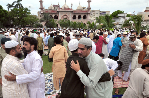 Eid Ul Fitar 2014 is being Celebrated All over Cities of Pakistan