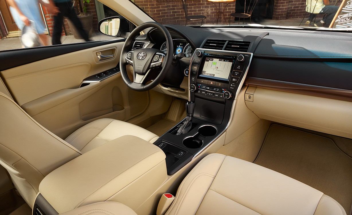 interior parts of toyota Camry model 2016