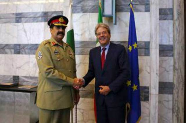Army chief General Raheel Sharif with Italian Foreign Minister