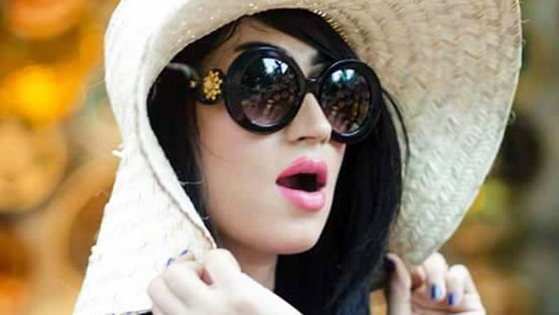 Hot Qandeel Baloch the Most Searched Celebrity of Pakistan