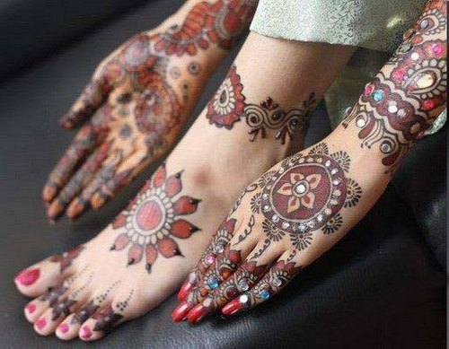 Mehndi Designs Hands and Feet latest