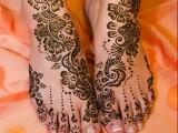 Simple Mehndi Designs for shadi 2013