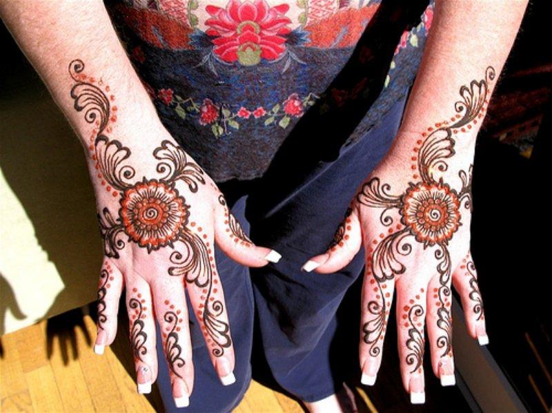 Double Hands Arabic  Mehndi Designs