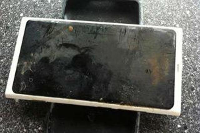 Nokia Lumia 800: A Phone That Survived Over Three Months Underwater!