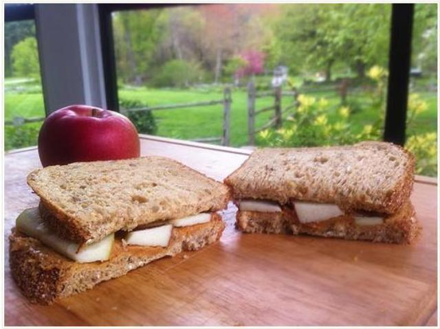 How to Make Apple Peanut Butter Sandwich At Home