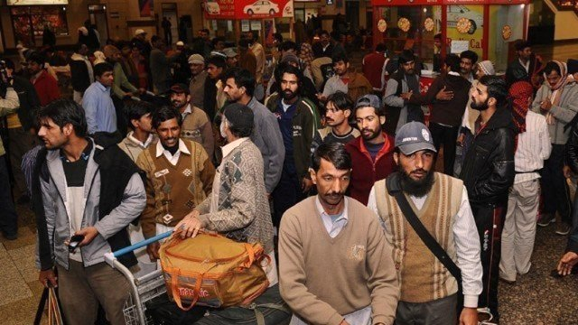 OVER 8000 Pakistani deported from Malaysia