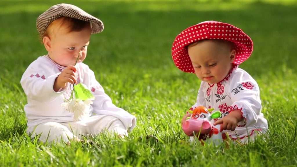 Cute baby Pictures HD Wallpapers